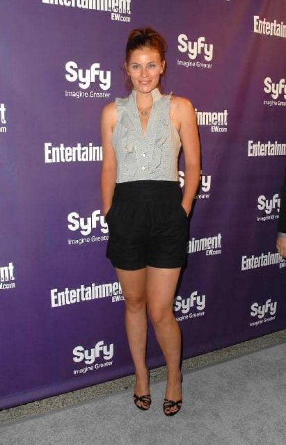 Cassidy Freeman Hottest Pictures (41 Photos)