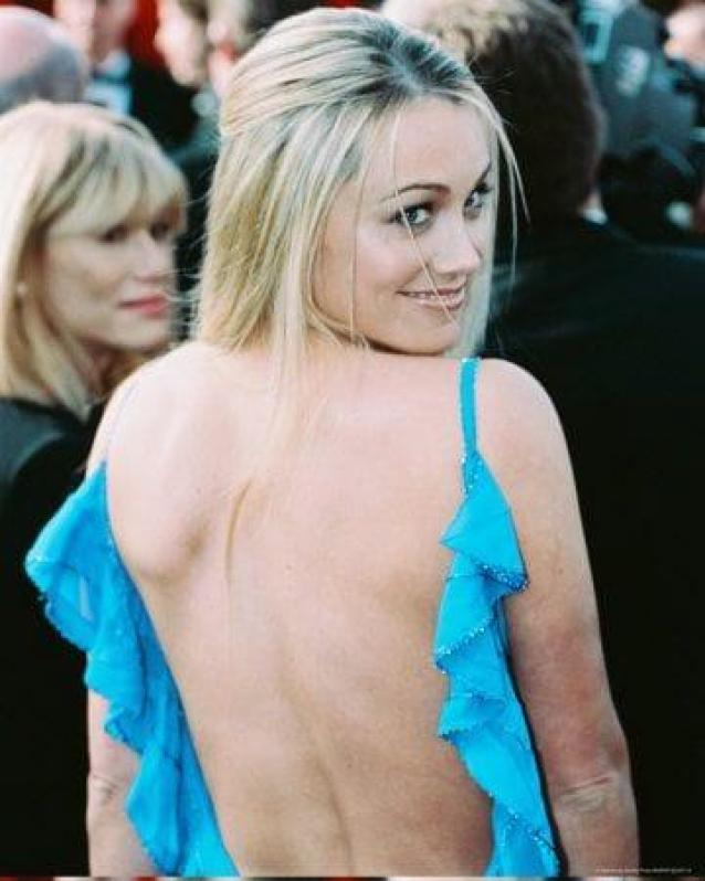 Christine Taylor Sexiest Pictures (41 Photos)