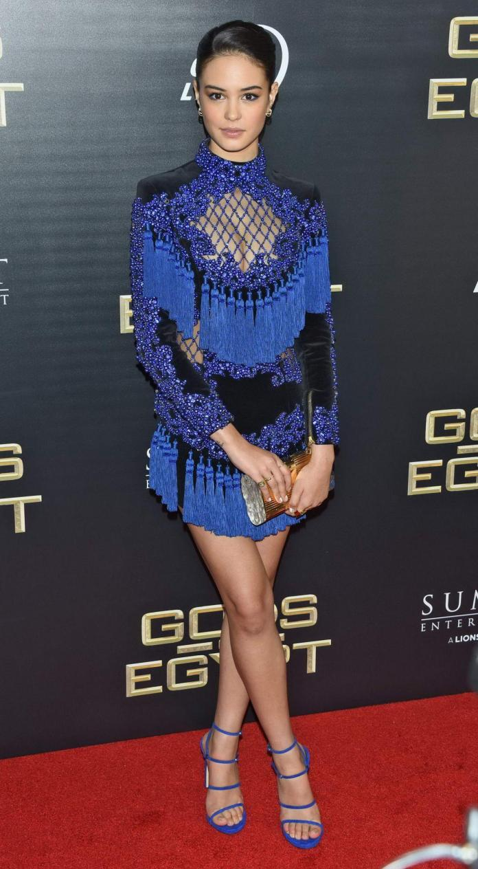 Courtney Eaton Sexiest Pictures (41 Photos)