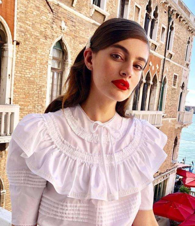 Diana Silvers Sexiest Pictures (41 Photos)
