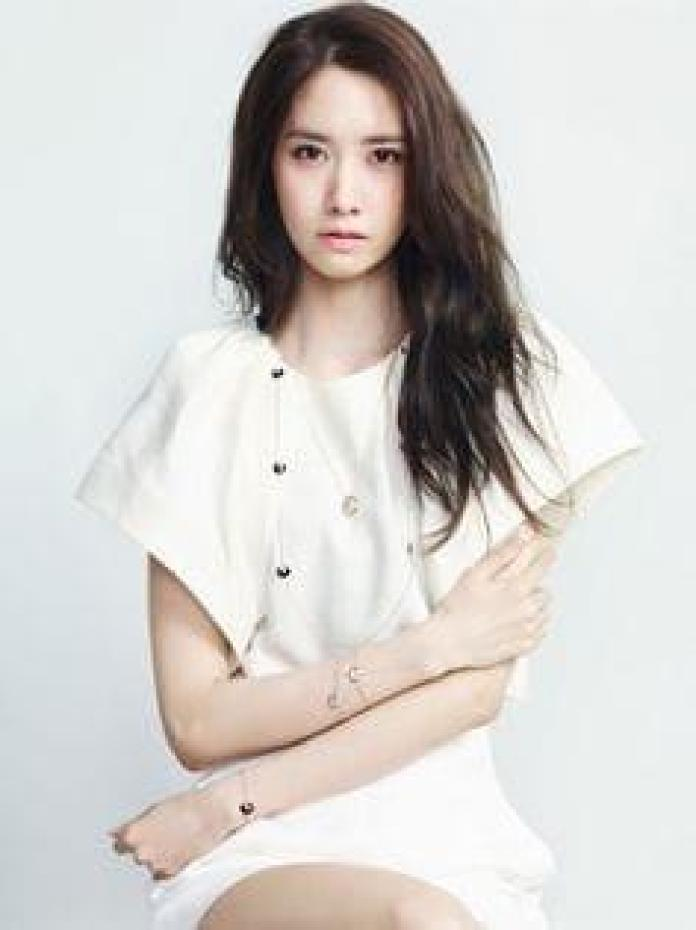 Im Yoon-ah Sexiest Pictures (41 Photos)