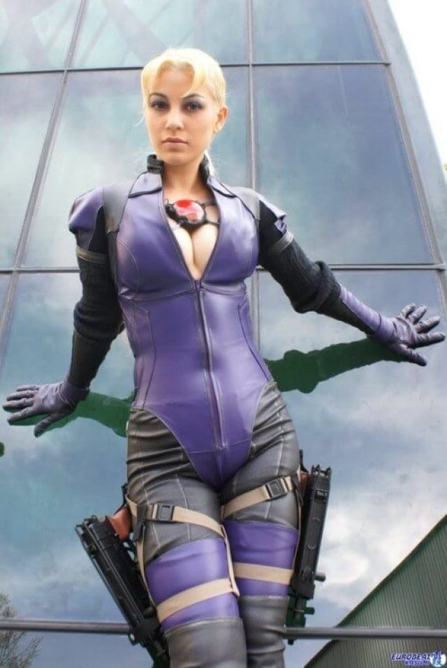 Jill Valentine Sexiest Pictures (40 Photos)