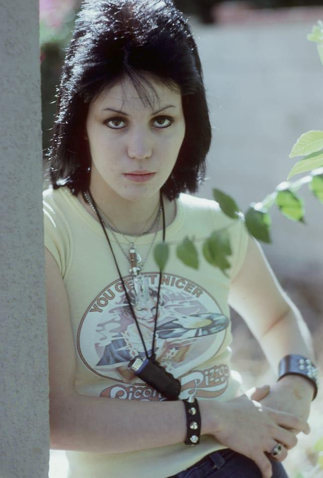 Joan Jett Hottest Pictures (41 Photos)
