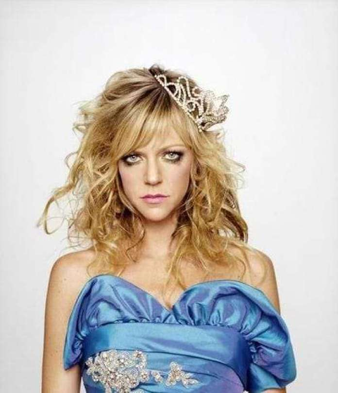 Kaitlin Olson Hottest Pictures (41 Photos)