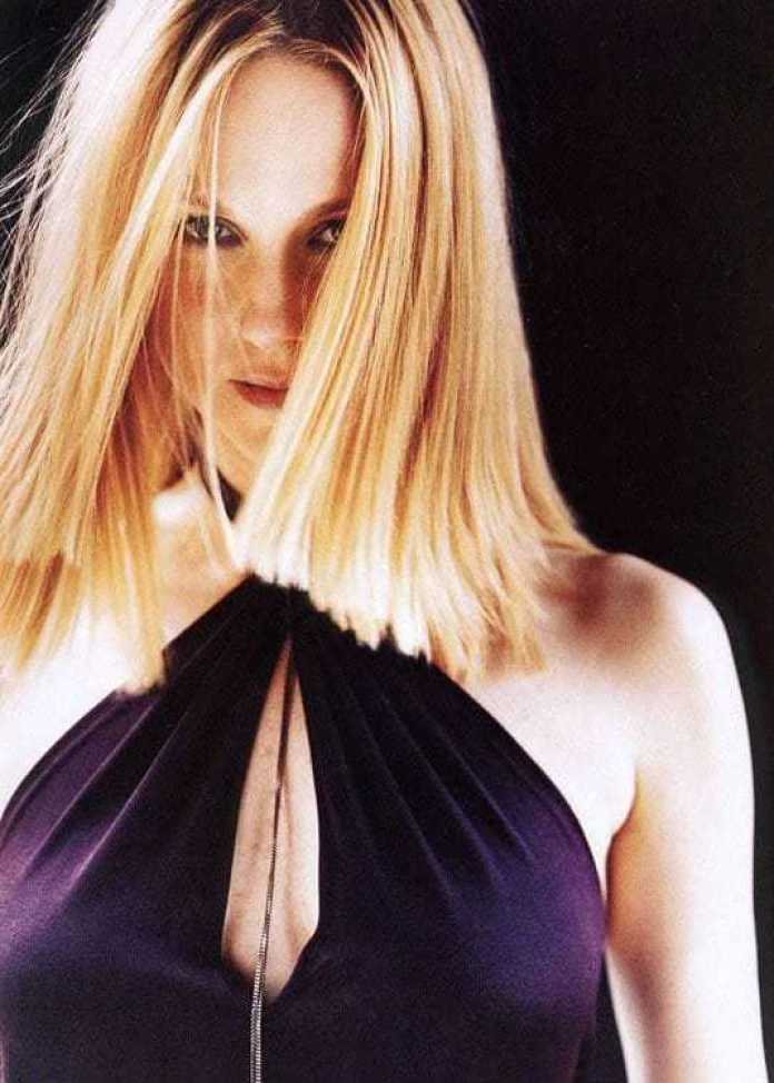 Laura Linney Hottest Pictures (41 Photos)