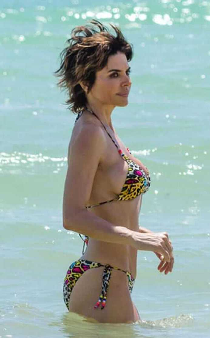 Lisa Rinna Hottest Pictures (39 Photos)