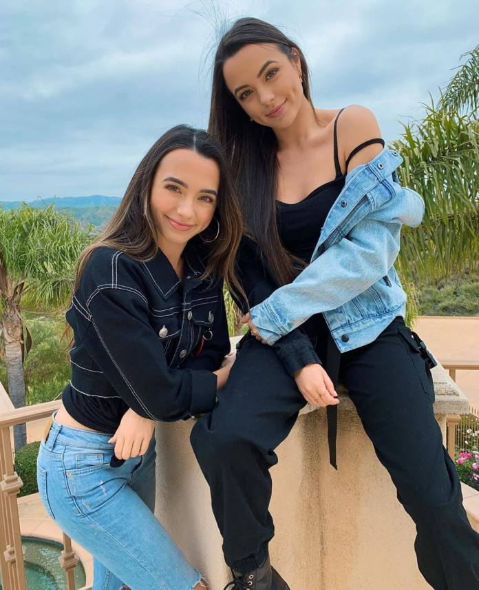Merrell Twins Sexiest Pictures (41 Photos)