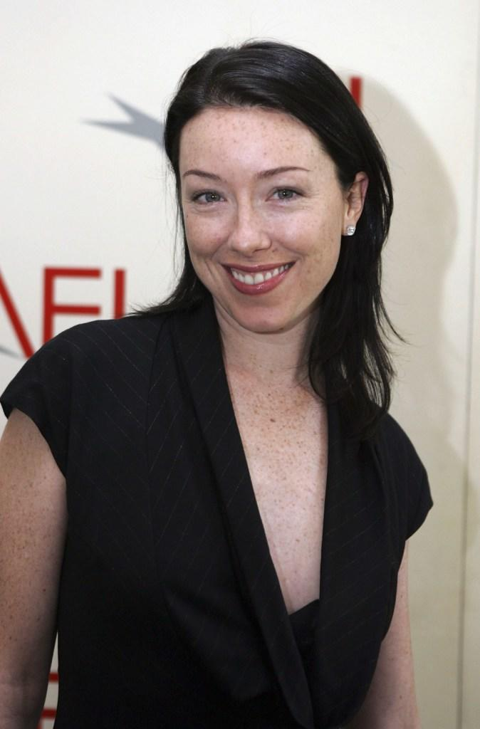 Molly Parker Sexiest Pictures (41 Photos)