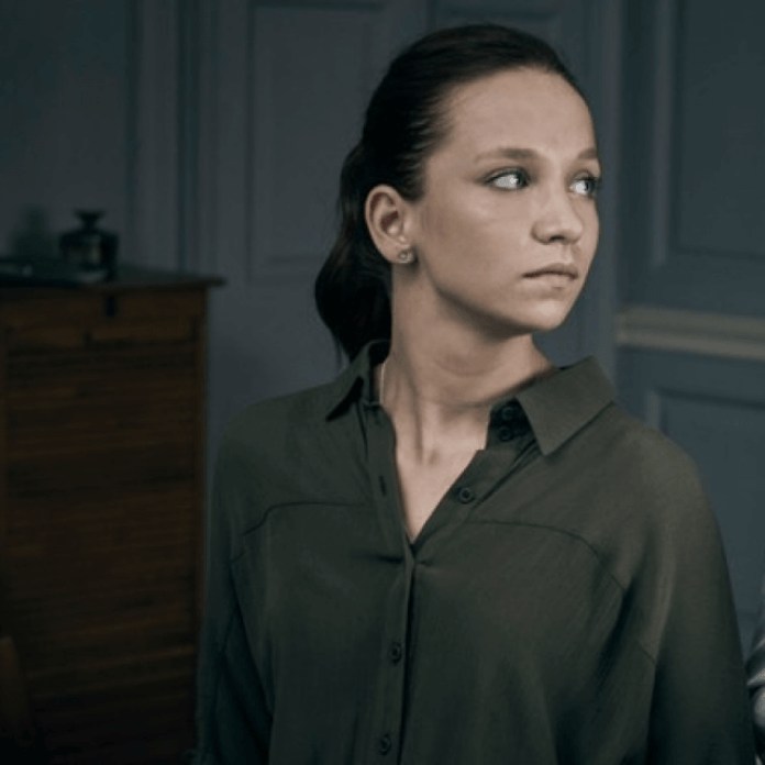 Molly Windsor Hottest Pictures (30 Photos)