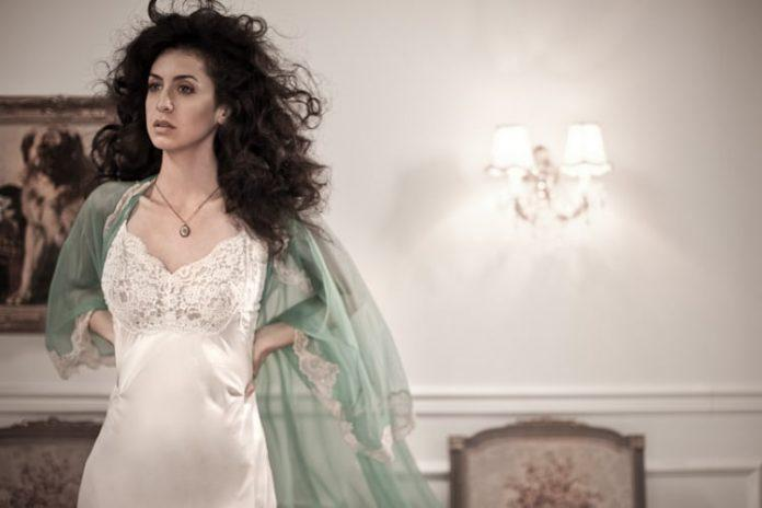 Mozhan Marnò Sexiest Pictures (41 Photos)
