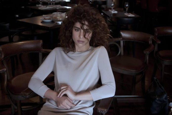 Nadia Hilker Sexiest Pictures (39 Photos)