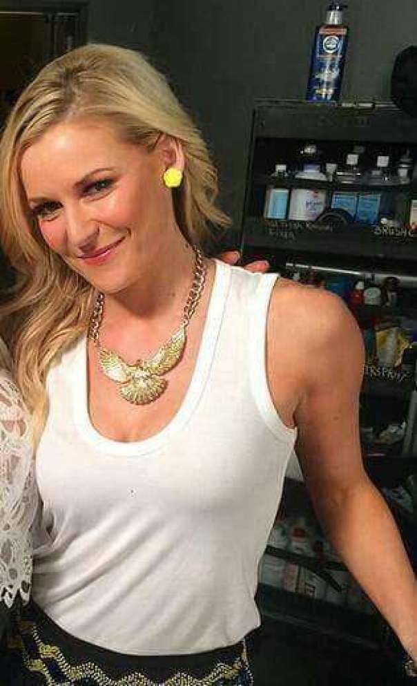 Renee Young Hottest Pictures (41 Photos)