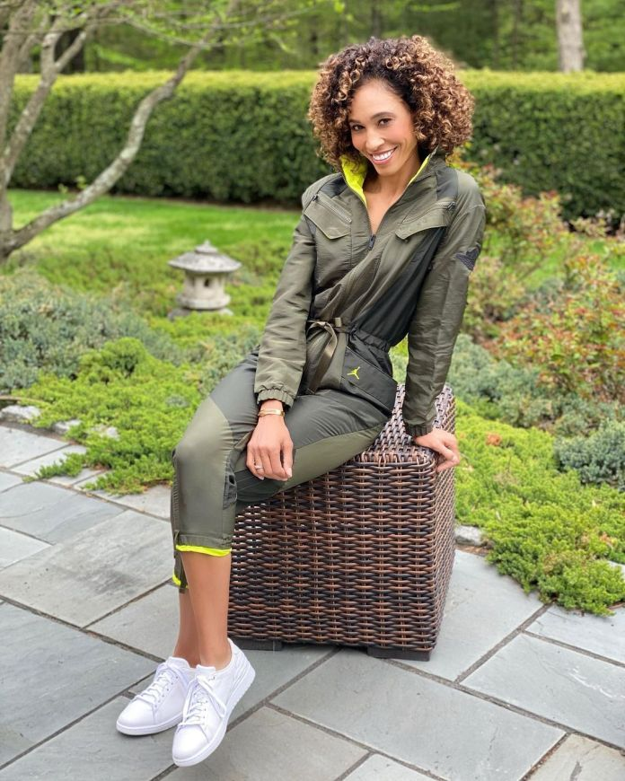 Sage Steele Hottest Pictures (40 Photos)