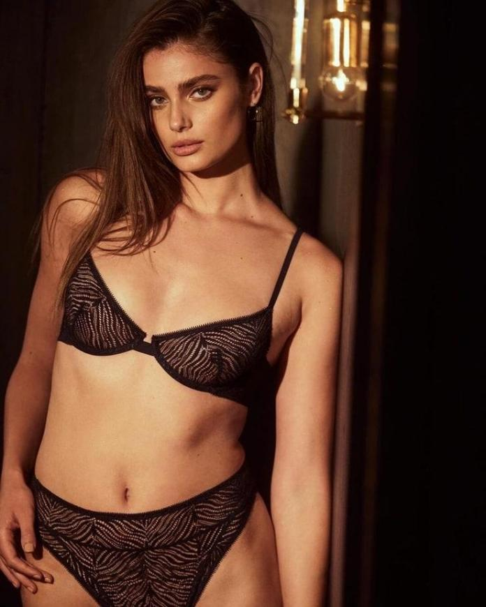 Taylor Hill Hottest Pictures (41 Photos)