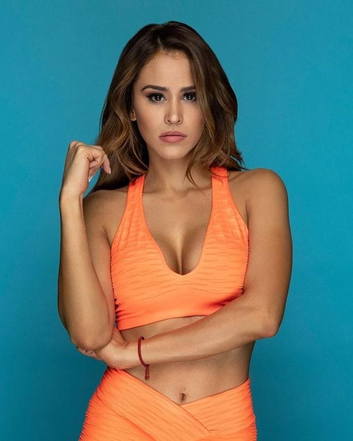 Yanet Garcia Sexiest Pictures (41 Photos)