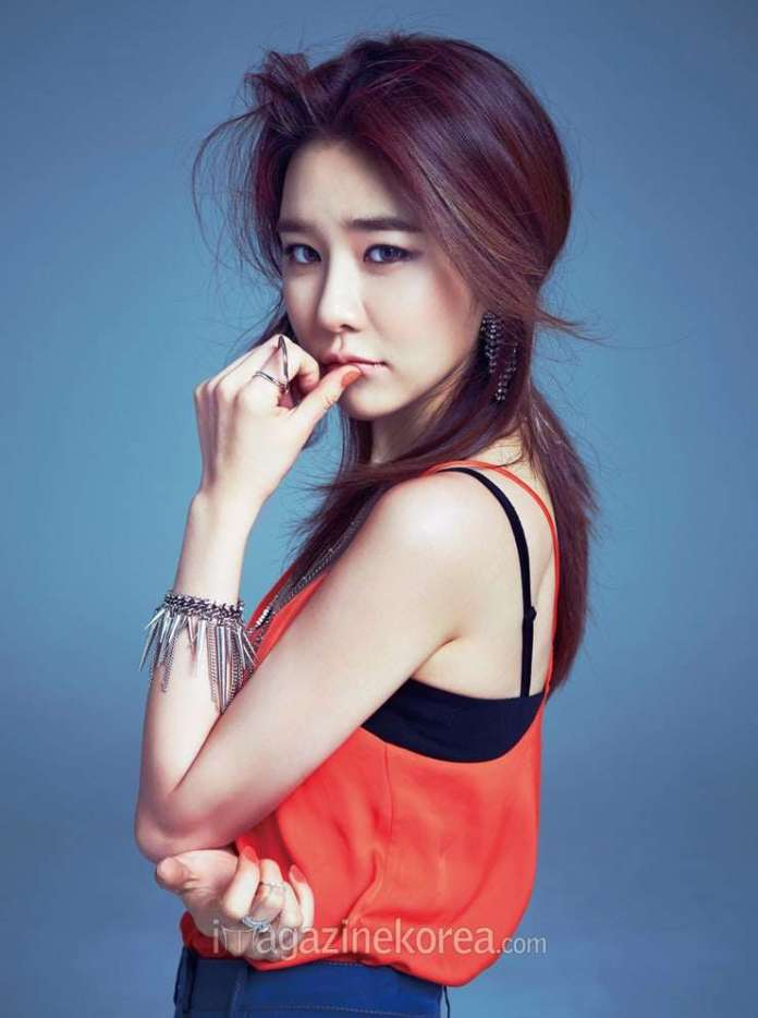 Yoo In-na Sexiest Pictures (41 Photos)