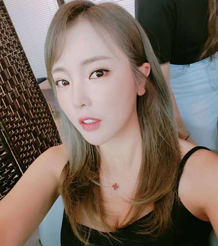Hong Jin Young Hottest Pictures (41 Photos)