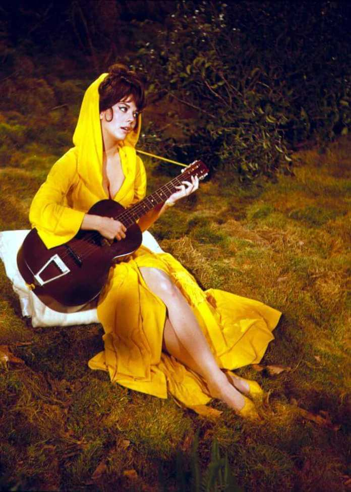 Natalie Wood Sexiest Pictures (41 Photos)