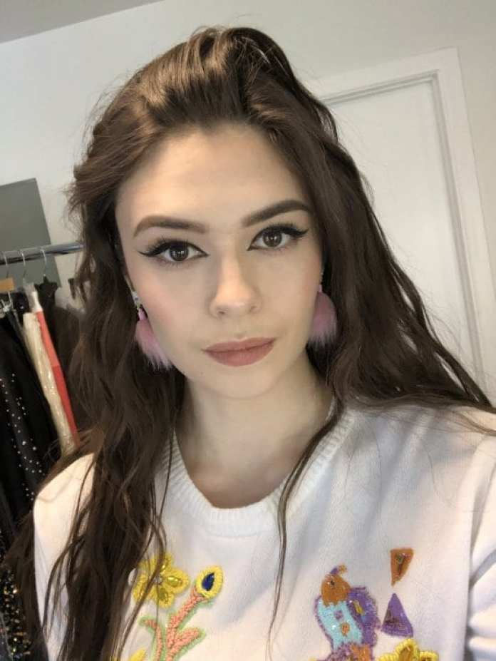 Nicole Maines Hottest Pictures (41 Photos)