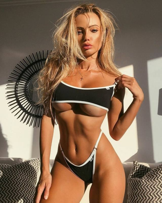Abby Dowse Hottest Pictures (39 Photos)