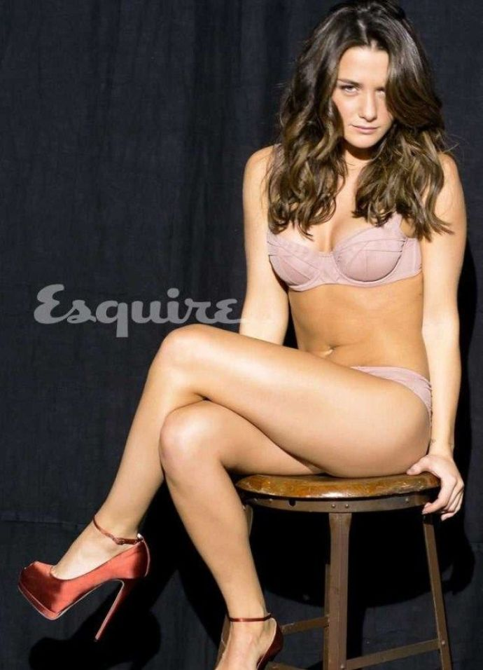 Addison Timlin Hottest Pictures (39 Photos)