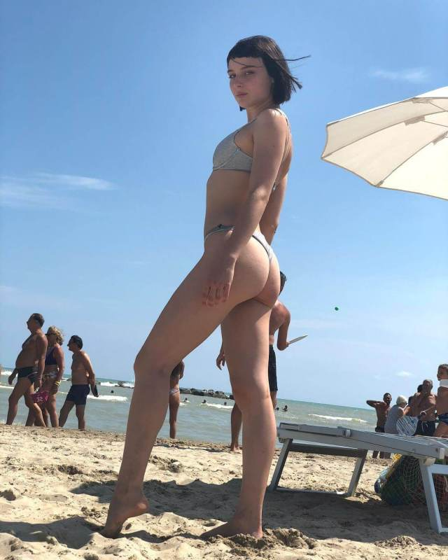 Alice Pagani Hottest Pictures (40 Photos)
