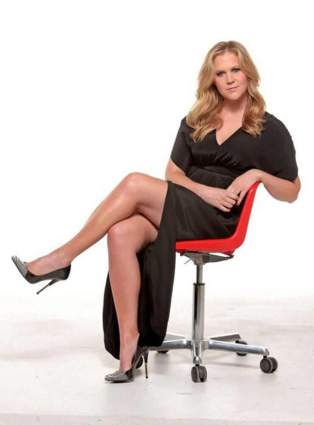 Amy Schumer Hottest Pictures (40 Photos)