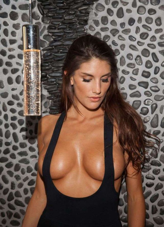 August Ames Sexiest Pictures (39 Photos)