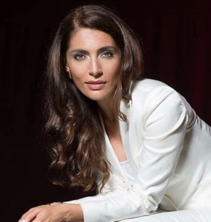 Caterina Murino Hottest Pictures (40 Photos)