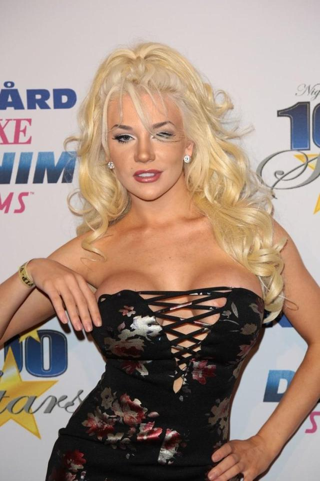 Courtney Stodden Sexiest Pictures (40 Photos)