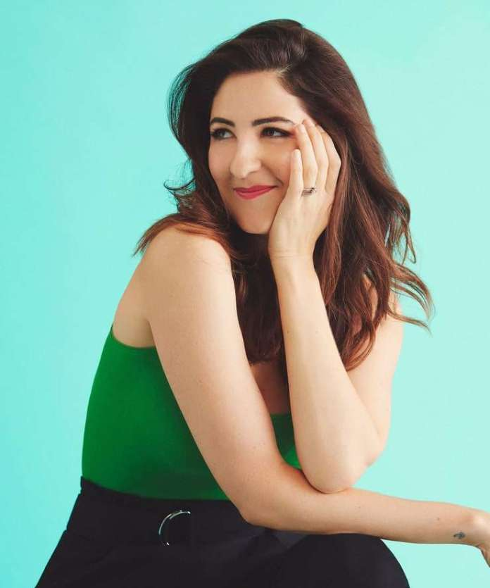 D'Arcy Carden Hottest Pictures (41 Photos)