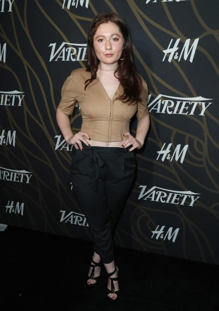 Emma Kenney Sexiest Pictures (41 Photos)