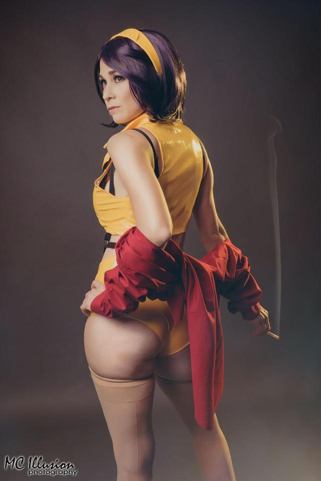Faye Valentine Sexiest Pictures (40 Photos)