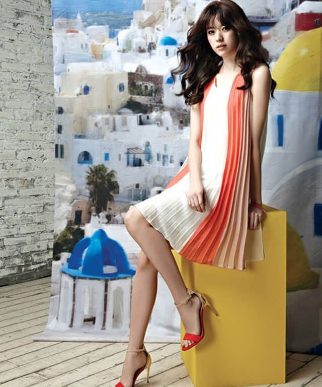 Han Hyo-joo Hottest Pictures (39 Photos)