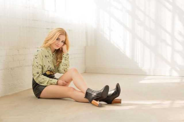 Jackie Evancho Sexiest Pictures (39 Photos)