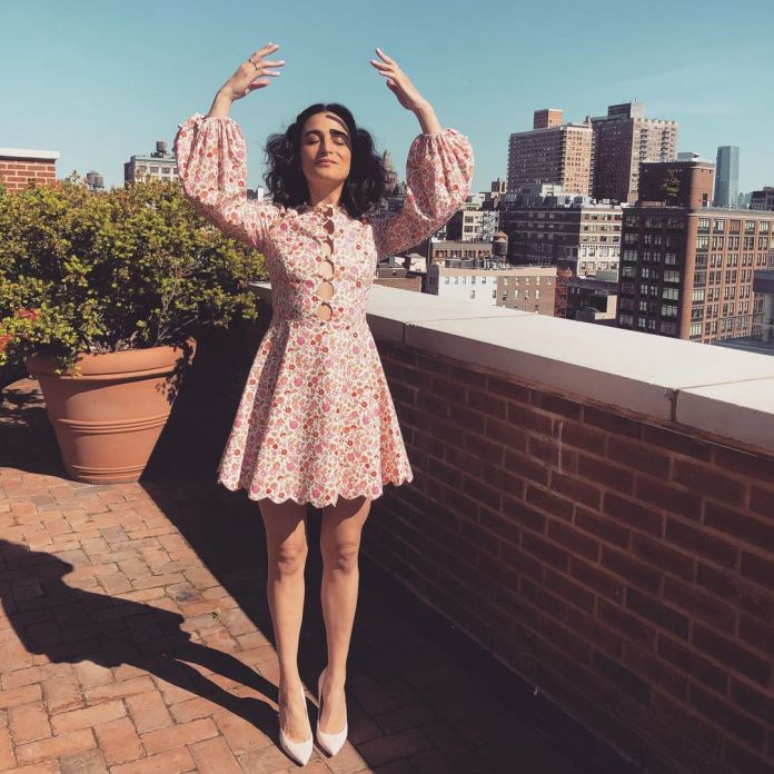 Jenny Slate Hottest Pictures (39 Photos)