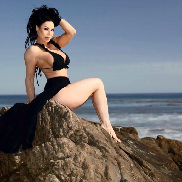 Kendra Lust Hottest Pictures (40 Photos)