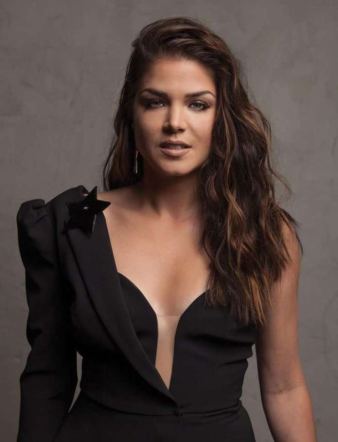 Marie Avgeropoulos Sexiest Pictures (41 Photos)