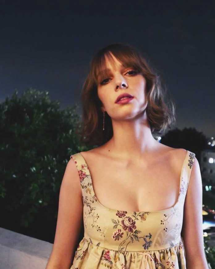 Maya Hawke Hottest Pictures (41 Photos)