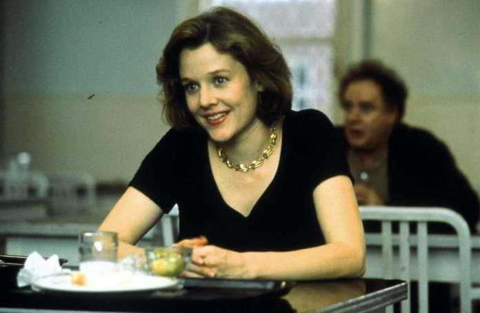 Penelope Ann Miller Sexiest Pictures (41 Photos)