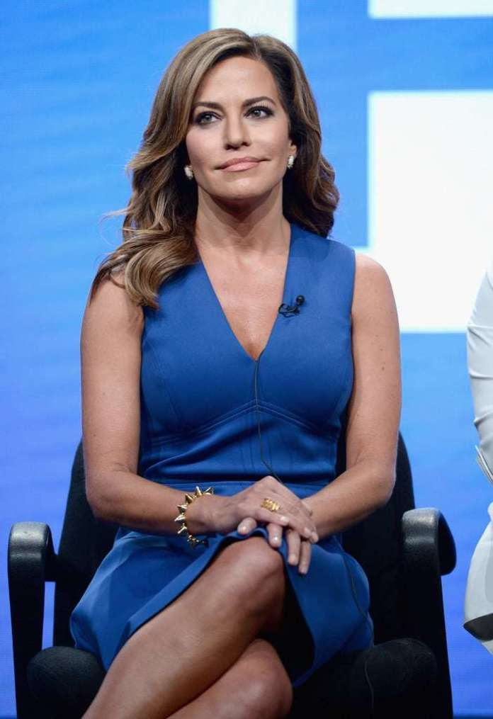 Robin Meade Sexiest Pictures (41 Photos)