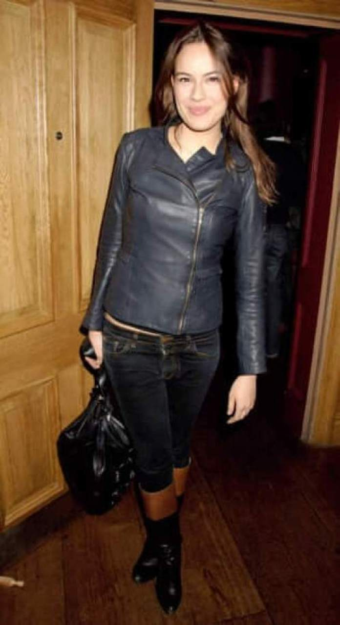 Sophie Winkleman Hottest Pictures (40 Photos)