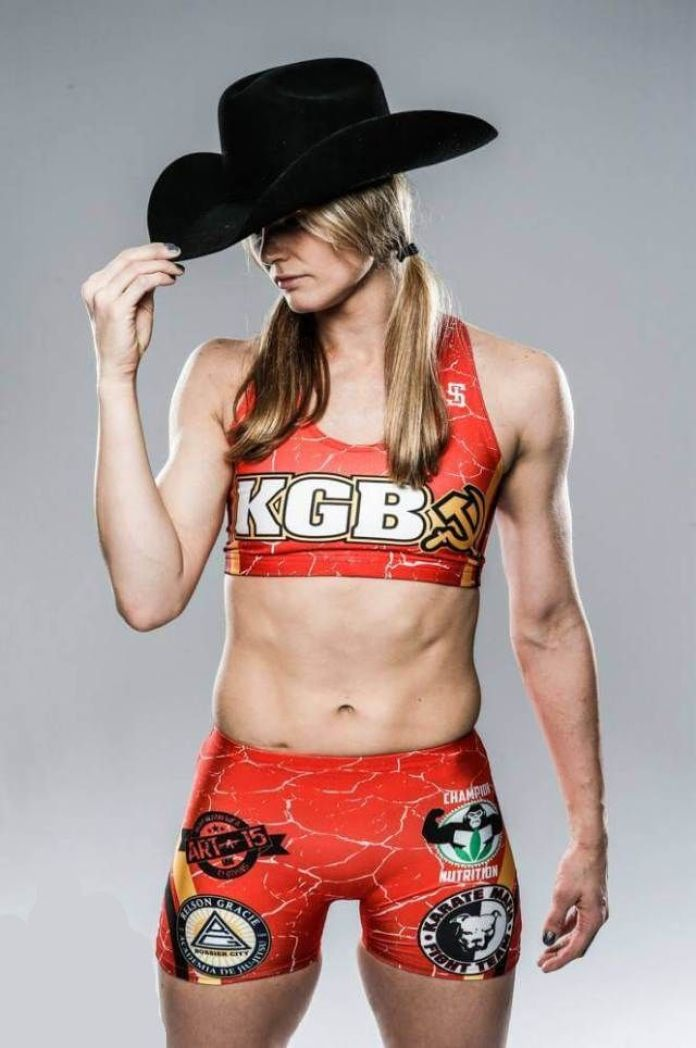 Andrea Lee Hottest Pictures (39 Photos)