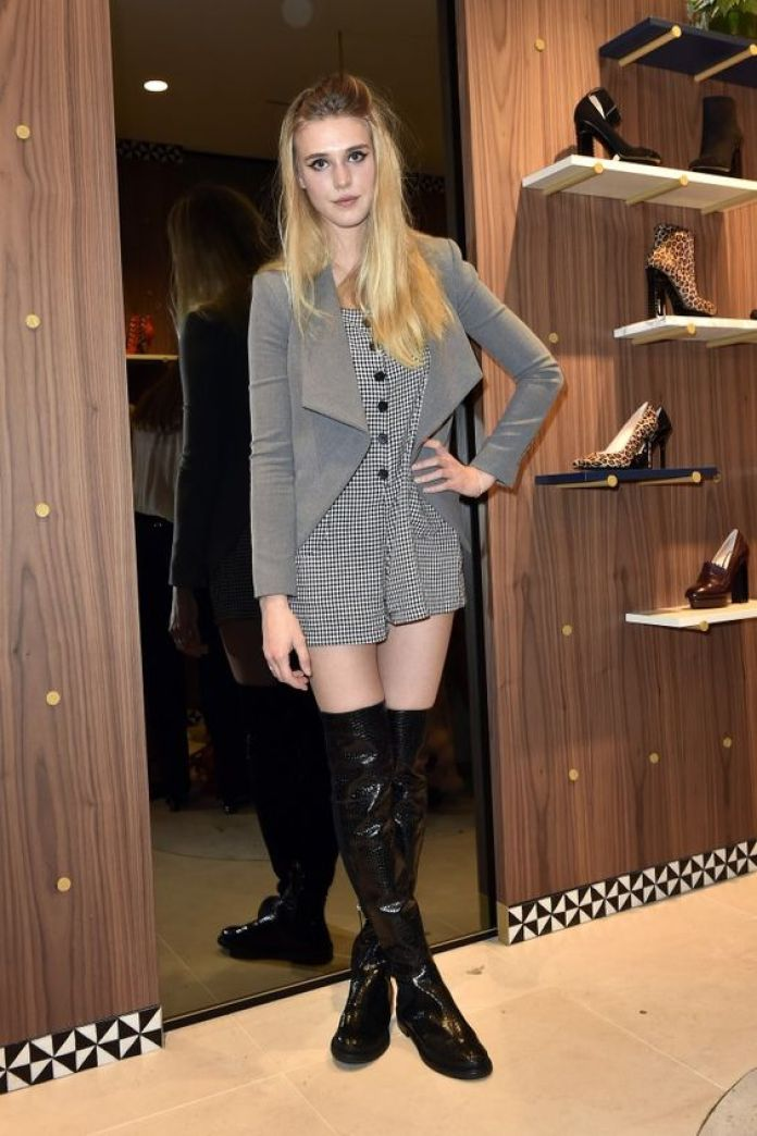 Gaia Weiss Hottest Pictures (39 Photos)