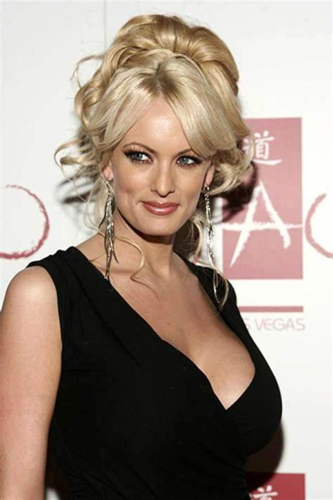 Stormy Daniels Sexiest Pictures (41 Photos)