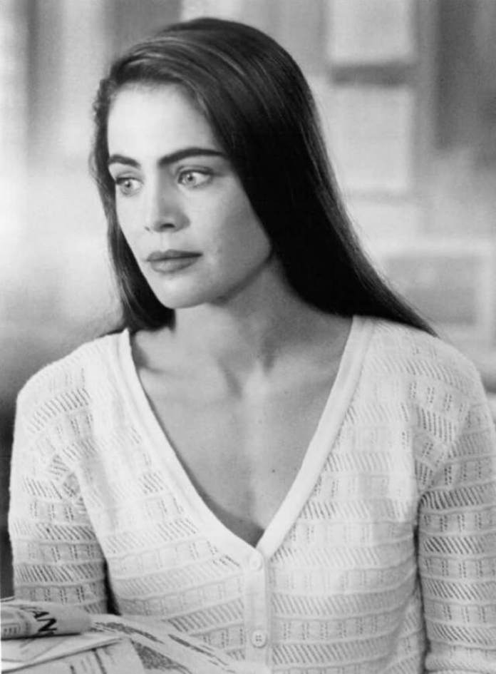 Yancy Butler Hottest Pictures (39 Photos)