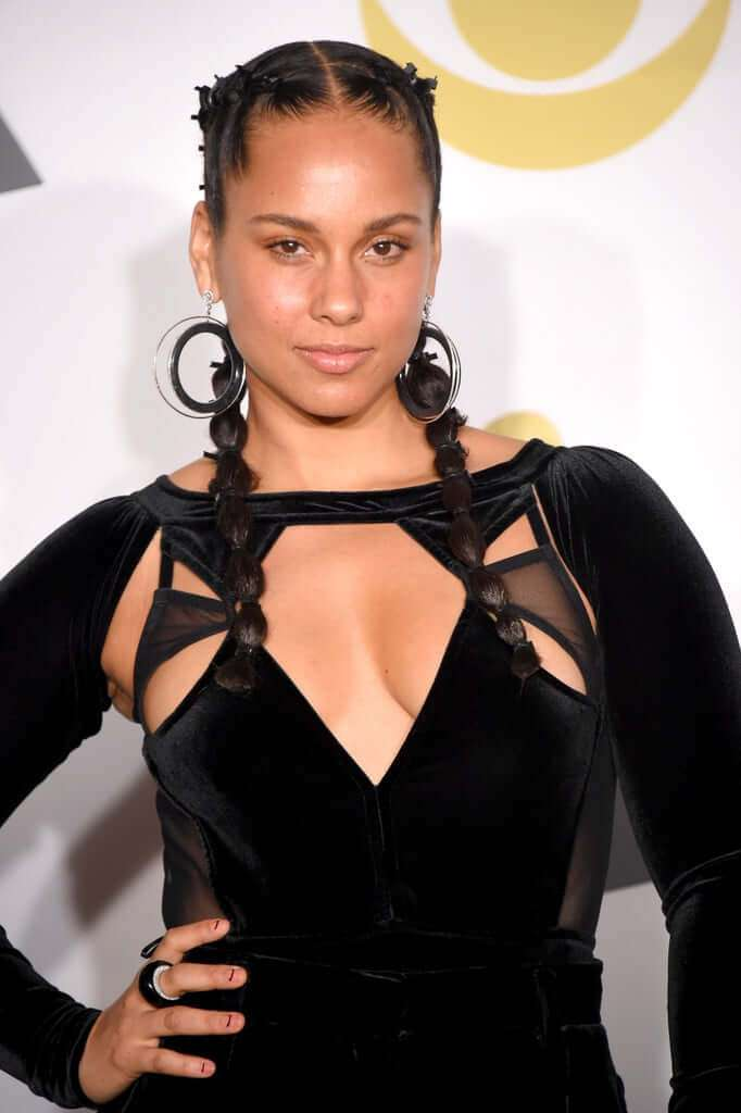 Alicia Keys Hottest Pictures (41 Photos)