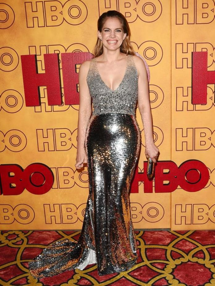 Anna Chlumsky Sexiest Pictures (41 Photos)
