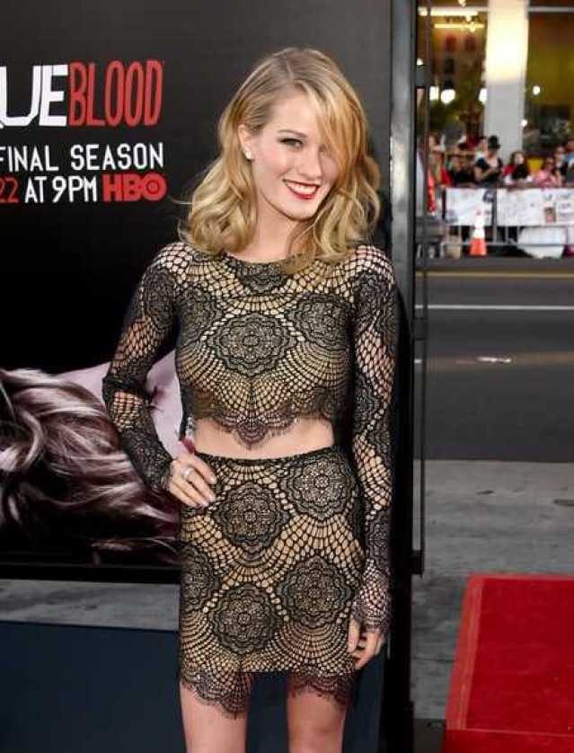 Ashley Hinshaw Sexiest Pictures (41 Photos)