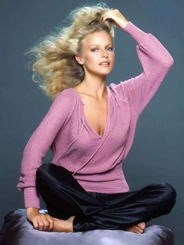 Cheryl Ladd Hottest Pictures (41 Photos)